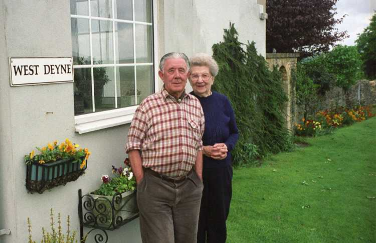 Ivor and Joan Cave were our hosts for one night stay at the West Deyne B&B in Stow-on-the-Wold