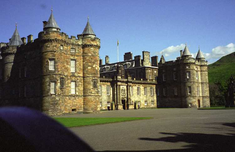The Holyrood Palace in Edinburgh was closed for a Church of Scotland function so we didn't get to go inside.