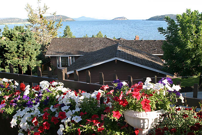 There is a very nice view of the Upper Klamath Lake from the large observation deck at the B&B.
