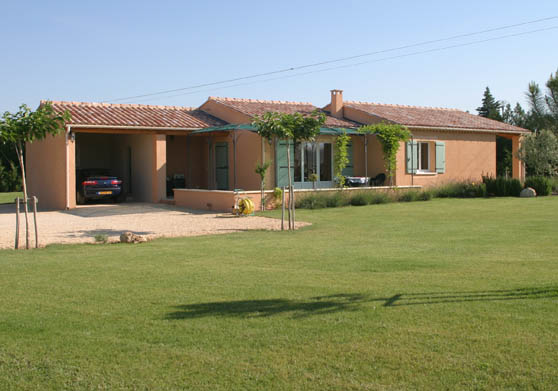 We spent the first two weeks of June 2004 in this very nice house near Pernes les Fontaine, France