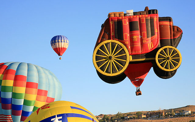 "Wells Fargo is a major sponsor of the Reno Balloon Races. ""Centre Stage"" is owned and piloted by Elizabeth Wright-Smith of Albuquerque, New Mexico."